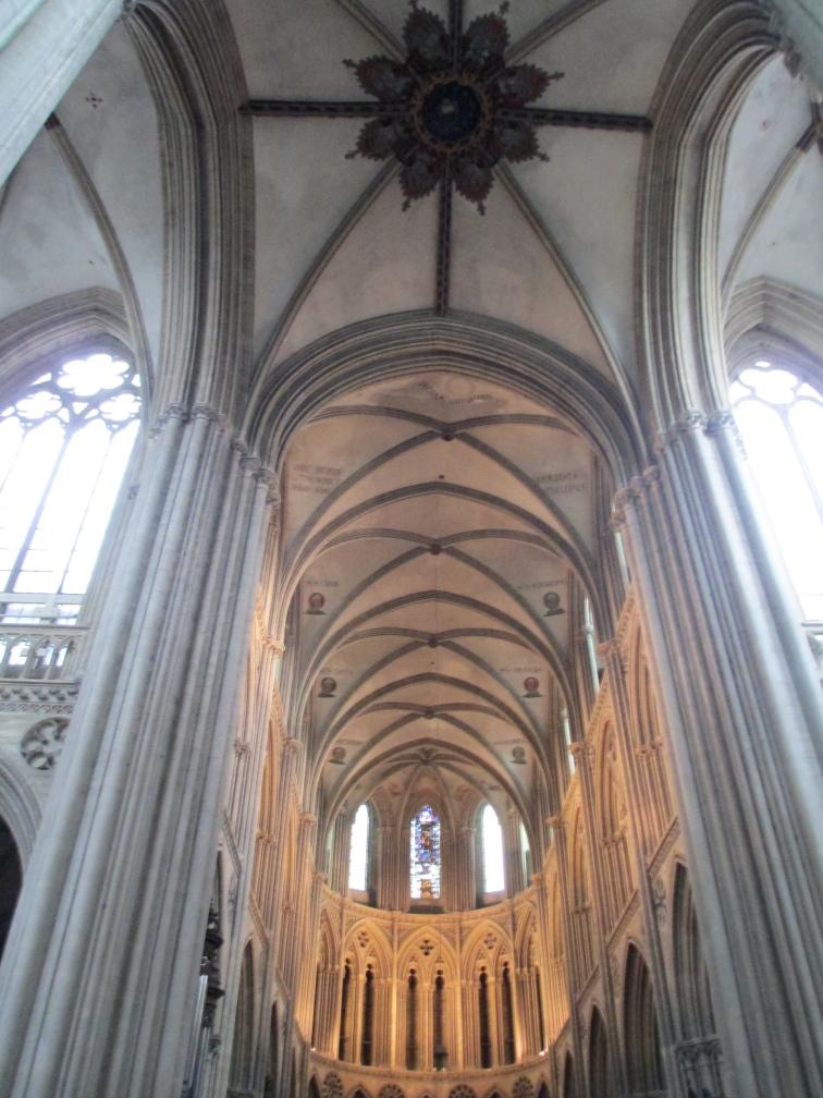 bayeaux inside