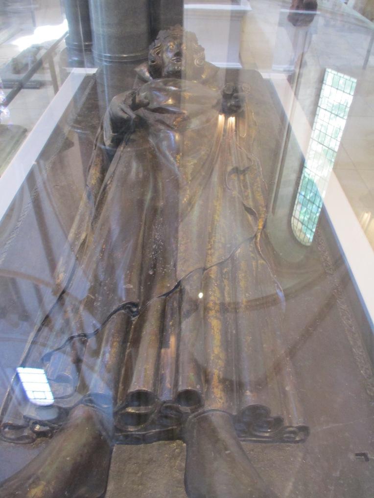Henry III effigy